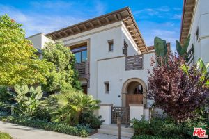 Former Clippers Guard Eric Gordon Sells Los Angeles Home