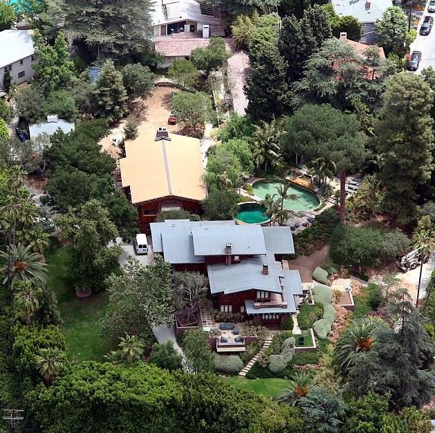 Los Feliz Home Brad Pitt Angelina Jolie Celebrity Real Estate Talktopaul Talktopaul Real Estate