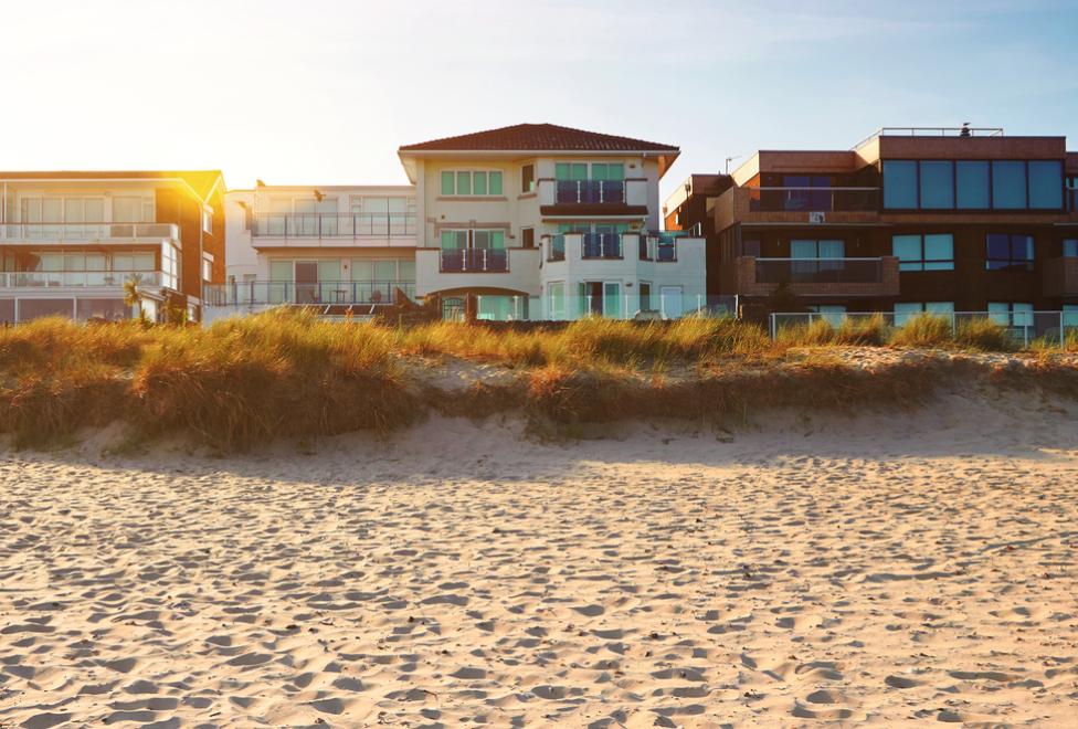 Malibu-Beach-Front-Property-Malibu-Real-Estate-Agent-Paul-Argueta-TalkToPaul-Malibu-Realtor-Malibu-Homes-For-Sale-Luxury-Real-Esatet-Agent-Celebrity-Real-Estate-Agent
